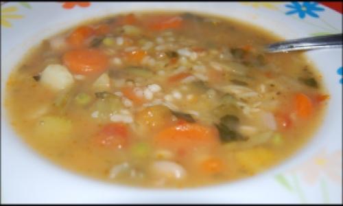 minestrone con farro, orzo e riso